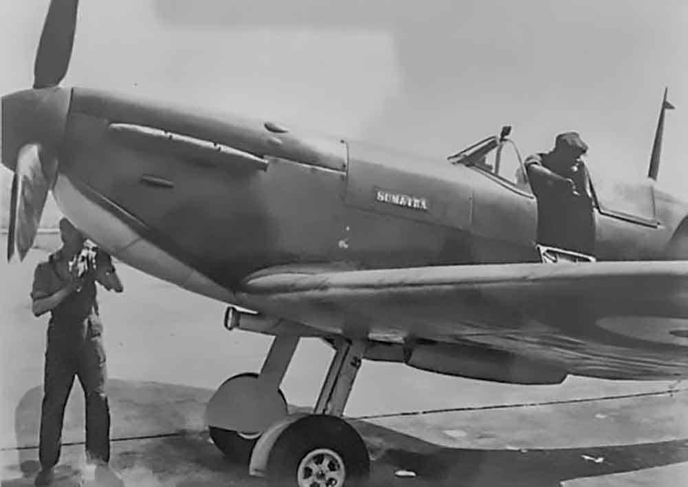 303 Squadron MKIIb Spitfire P8331